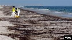La explosión mató a 11 trabajadores y envió cinco millones de barriles de petróleo vertido en las aguas de la costa sur de los Estados Unidos.