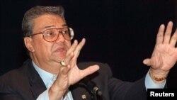 Mantan menteri pariwisata, pos dan telekomunikasi Joop Ave, yang meninggal dunia pada 5 Februari 2014. (Foto: Dok)