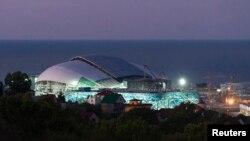 Stadion di kota Sochi, Rusia yang akan menjadi lokasi Olimpiade musim dingin tahun depan (foto: dok).