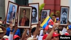 Maduro sigue los pasos de Chávez en sus encuentros secretos con Fidel Castro.