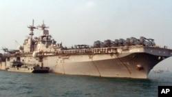 两栖攻击舰埃塞克斯号有小航母之称