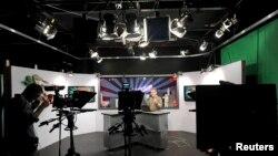 Una nueva empresa de televisión por internet, Aereo, ha prendido todas las alarmas en el mundo de la televisión estadounidense.