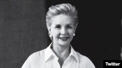 Herrera comenzó a diseñar en Nueva York en 1980.