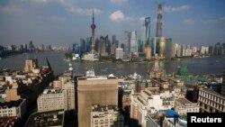 """Toàn cảnh một khu trung tâm tài chính ở Thượng Hải, Trung Quốc, quốc gia """"sản sinh"""" nhiều tỷ phú nhất châu Á trong năm 2016, với 101 tân """"tỷ phú đôla""""."""
