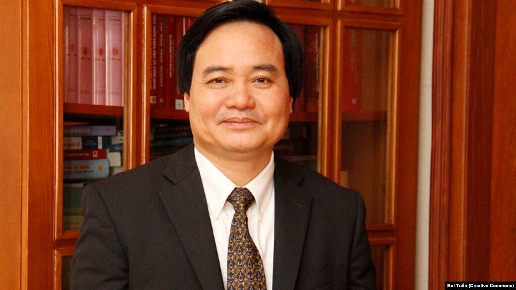 Từ đầu năm nay ông Phùng Xuân Nhạ đã bị cáo buộc dối trá trong khoa học.