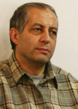 هدی صابر یک هفته بعد از اعتصاب غذا در اعتراض به مرگ هاله سحابی ، در زندان بطرز مشکوکی جان سپرد