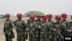 台湾陆军女子特种部队(美国之音张永泰拍摄)