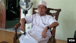 Tokoh Islam di Kampung Sawah Rahmaddin Afif (Foto: VOA/Fathiyah).