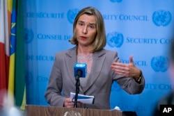 La jefe de política exterior de la Unión Europea, Federica Mogherini, reaccionó en Bruselas al anuncio del presidente de EE.UU., Donald Trump de que no re-certificará el pacto nuclear con Irán. Foto de archivo.
