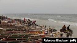 Des pêcheurs sénégalais à St-Louis