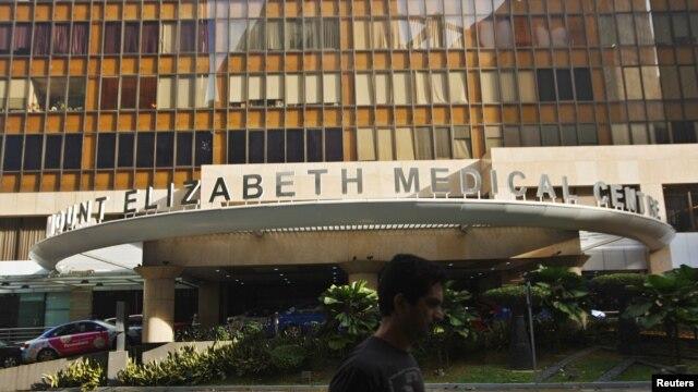 Rumah Sakit Mount Elizabeth tempat korban pemerkosaan beramai-ramai di India dirawat (27/12). (Reuters/Edgar Su)