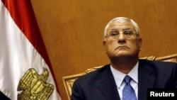 El presidente de la Corte Constitucional de Egipto, Adly Mansour al momento de tomar juramento como presidente interino.