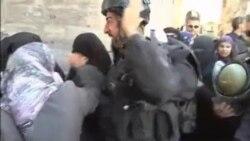 درگيری پليس ضد شورش اسرائيل با مسلمانان فلسطينی