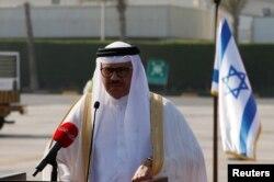 بحرین کے سفیر عبداللطیف ال زیانی، جنہوں نے اپنی ریاست کی طرف سے معاہدے پر دستخط کیے۔