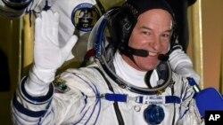El astronauta de la NASA Jeff Williams estableció récord de permanencia acumulada en el espacio.