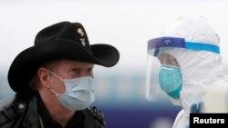 د امریکا متحده ایالتونه دا مهال په نړۍ کې د کرونا ویروس مرکز بلل کیږي