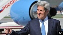 美國國務卿克里抵達俄羅斯訪問