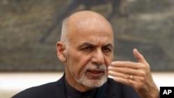 아프가니스탄의 아슈라프 가니 대통령이 지난 해 말 기자회견에서 4자회담 개최를 확인하고 있다.
