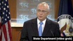دیوید ساپرستین از وزارت خارجه آمریکا نکاتی از گزارش وضعیت جهانی آزادی مذهبی را برای خبرنگاران تشریح کرد.