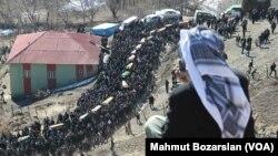 30 Aralık 2011 - Uludere'de Türk savaş uçaklarının bombardımanında yaşamını yitiren 34 köylünün cenazesi