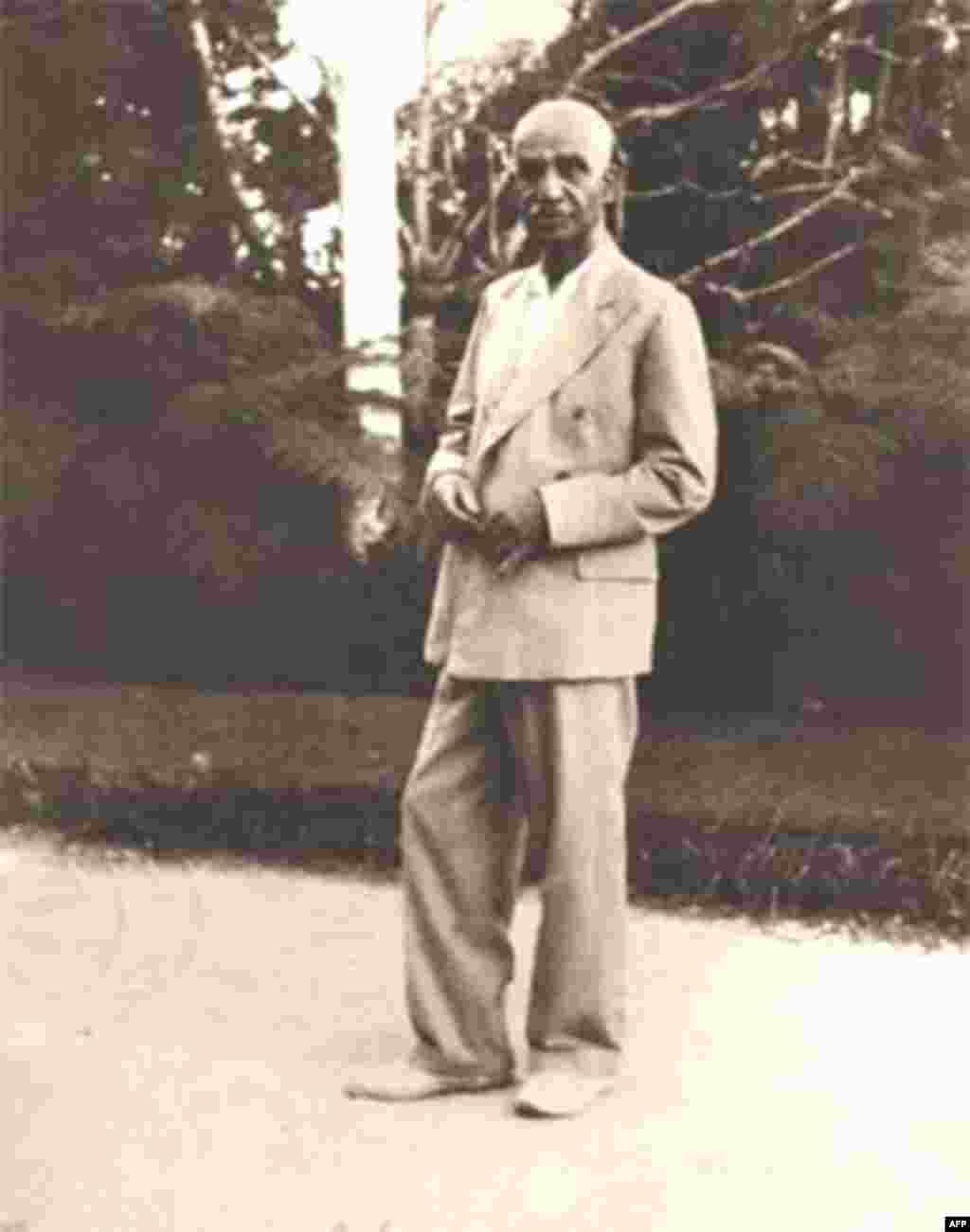 Atatürkün İran şahı ilə görüşü