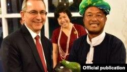 ျမန္မာႏွင့္ ကန္ စားေသာက္ကုန္နဲ႔ စိုက္ပ်ိဳးသီးႏွံဆိုင္ရာ ပူးေပါင္းေဆာင္ရြက္မႈ အထိမ္းအမွတ္ျပဳ က်င္းပပြဲ (u.s. embassy rangoon)