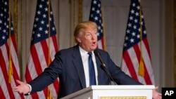 美国共和党参选人川普在佛罗里达州棕榈滩的竞选集会上讲话。(2016年3月20)