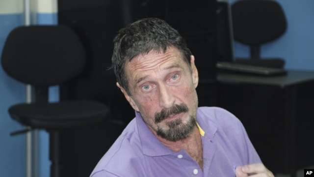 John McAfee après son arrestation à Guatemala City