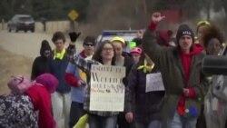 美國高中生步行到瑞安家鄉 要求國會加快控槍