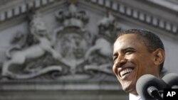 奥巴马总统周一在都柏林一所学院发表演讲