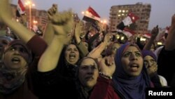 La mayoría de los manifestantes en la Plaza Tahrir han sido esta vez jóvenes y mujeres.