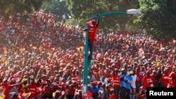 Qonli voqealar Keniyaning Afrikadagi eng barqaror demokratiyalardan biri degan nomiga dog' tushirgan, iqtisodiy o'sish anchagacha to'xtab qolgan edi.