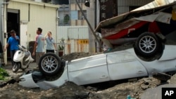 خودروی چپ شدن ناشی از انفجار در شهر کوهیونگ - ۱۰ مرداد ۱۳۹۳
