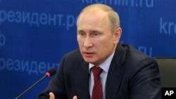 Presiden Rusia Valdimir Putin menginginkan federasi negara-negara berdaulat Uni Eurasia di mana Kremlin bisa mengarahkan kebijakan luar negeri, ekonomi, dan pertahanan semua negara anggota (foto: dok).