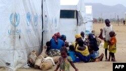 아프리카 나이지리아와 카메룬 국경지역에 유엔난민기구가 마련한 난민 수용소. (자료사진)