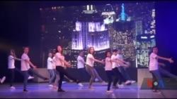 Юні актори з київської студії «Бродвей Kids» ставлять справжні англомовні мюзикли на великій сцені. Відео