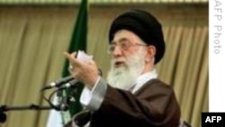 İran'ın ruhani lideri Ali Hamaney