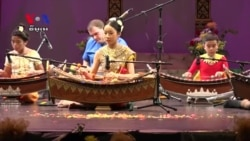 In US, Traditional Khmer Dance Unites Cambodian-American Community