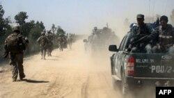 Пехотинцы НАТО и Афганская полиция