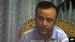 Angel Carromero habla durante una conferencia de prensa grabada en Cuba, cuando tuvo que reconocer que él conducía el auto en que murió Oswaldo Payá.