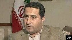 ນັກວິທະຍາສາດອິຣ່ານ Shahram Amiri ໃຫ້ສຳພາດຂ່າວ ເມື່ອວັນທີ 13ກໍລະກົດ 2010.