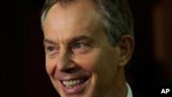 Tony Blair, ansyen Premye Minis Britanik.