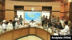 Perwakilan peserta aksi 313 diterima oleh Menteri Koordinator Bidang Politik, Hukum dan Keamanan Wiranto di kantor Kemenkopolhukam, Jakarta, 31 Maret 2017 (Foto: VOA/Andylala)