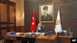 Premijer Erdogan u svom uredu