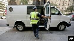 紐約市警方加強戒備。