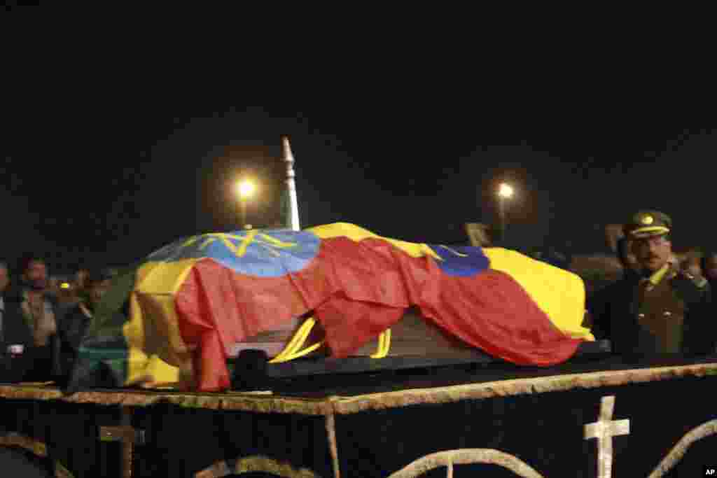 The casket containing the body of Prime Minister Meles Zenawi arrives at the Addis Ababa International Airport, Ethiopia, August 22, 2012.