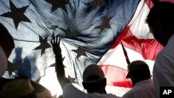 Inmigrantes hispanos y quienes les apoyan marcharán para retomar el tema de la reforma inmigratoria que ha pasado a un segundo plano.