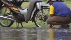 2011-11-05 美國之音視頻新聞: 泰國總理﹕曼谷市中心不會有嚴重水災