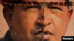 A falta de partes médicos oficiales, nadie sabe en verdad en qué estado se halla el gobernante venezolano.