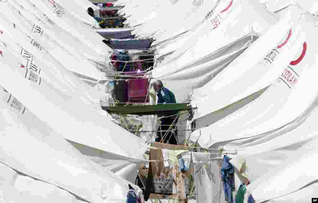 A Syrian refugee camp in the Turkish border town of Reyhanli, in Hatay province June 28, 2011